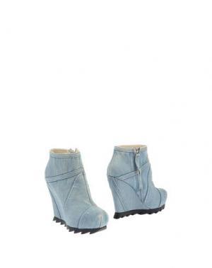 Полусапоги и высокие ботинки CAMILLA SKOVGAARD. Цвет: синий