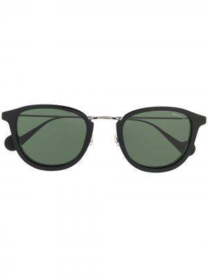 Солнцезащитные очки с затемненными линзами Moncler Eyewear. Цвет: черный