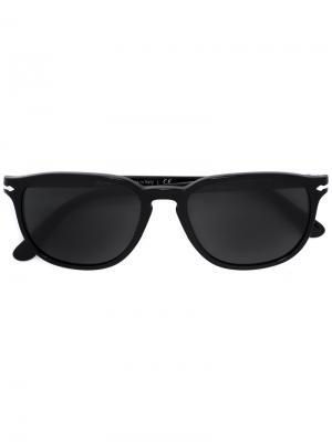 Солнцезащитные очки в квадратной оправе Persol. Цвет: черный