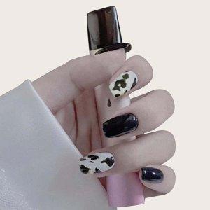 24шт Двухцветные накладные ногти и 1 лист ленты SHEIN. Цвет: черный и белый