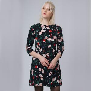 Платье укороченнное с рукавами 3/4 и цветочным рисунком COMPANIA FANTASTICA. Цвет: черный наб. рисунок