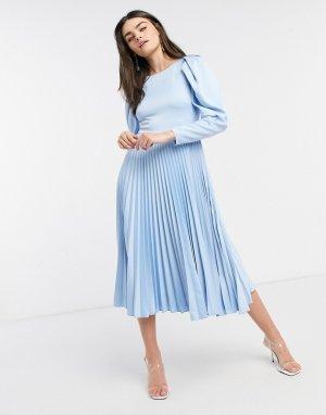 Нежно-голубое платье миди с пышными рукавами и плиссировкой -Голубой Closet London