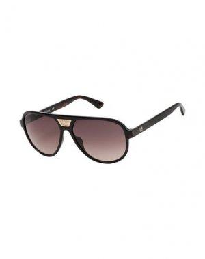 Солнечные очки GUESS. Цвет: темно-коричневый