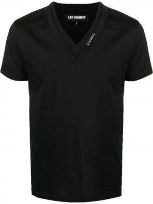 Многослойная футболка с V-образным вырезом Les Hommes. Цвет: черный