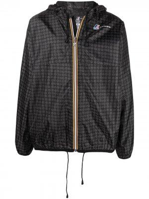 Куртка с капюшоном и логотипом 10 CORSO COMO. Цвет: черный
