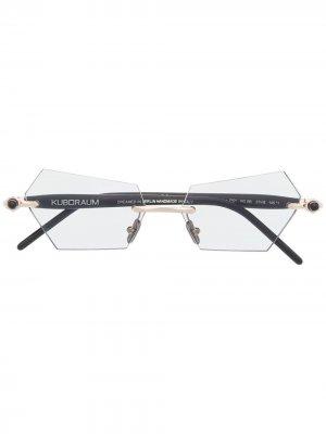 Солнцезащитные очки в геометричной оправе Kuboraum. Цвет: черный