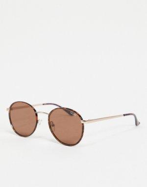 Круглые солнцезащитные очки в черепаховой оправе Omen-Коричневый цвет Quay Australia