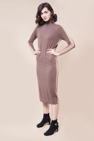 Платье вязаное VILATTE. Цвет: кофейный