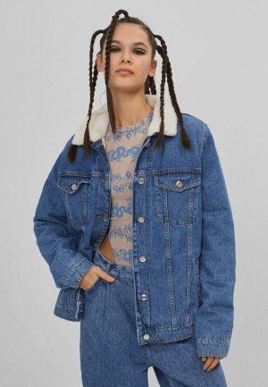 Куртка джинсовая Bershka. Цвет: синий
