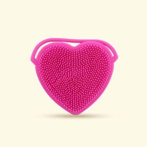 Силиконовая очищающая щетка для лица в форме сердца 1шт SHEIN. Цвет: ярко-розовый