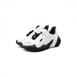 Кроссовки adidas Originals. Цвет: чёрно-белый