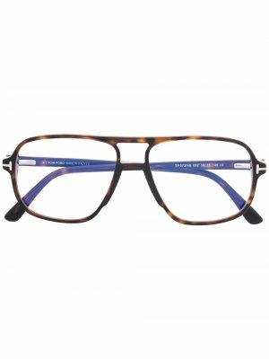 Очки в квадратной оправе TOM FORD Eyewear. Цвет: коричневый