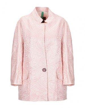 Легкое пальто FEMME. Цвет: розовый