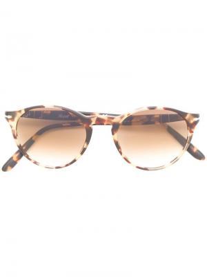 Солнцезащитные очки в круглой оправе Persol. Цвет: коричневый