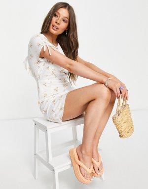 Платье мини с открытой спинкой оборками и цветочным принтом -Белый Gilli
