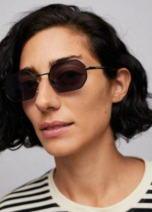 Солнцезащитные очки в шестиугольной оправе - Tess Mango. Цвет: черный