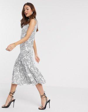 Платье миди А-силуэта с монохромным цветочным принтом -Мульти Closet London