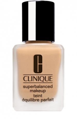 Суперсбалансированный тональный крем для комбинированной кожи, тон 08 Clinique. Цвет: бесцветный