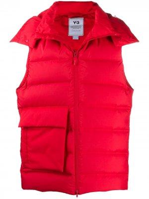 Дутый жилет с объемным карманом Y-3. Цвет: красный