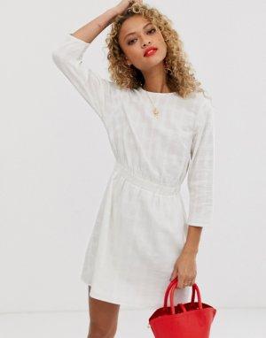 Фактурное повседневное платье мини с эластичным поясом -Белый ASOS DESIGN