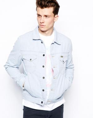 Приталенная джинсовая куртка с эффектом поношенности Wrangler. Цвет: wear out