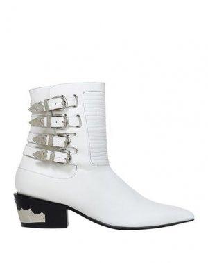 Полусапоги и высокие ботинки TOGA PULLA. Цвет: белый