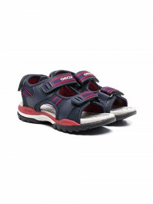 Массивные сандалии на липучках Geox. Цвет: синий