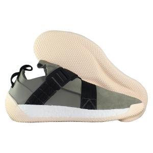 Кроссовки adidas. Цвет: зелёный