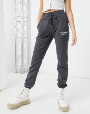 Серые спортивные брюки с логотипом на бедре -Серый Abercrombie & Fitch