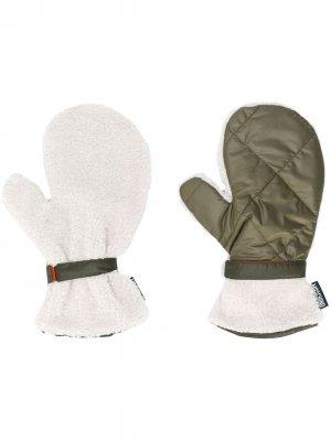 Перчатки с флисовой подкладкой Moschino. Цвет: зеленый