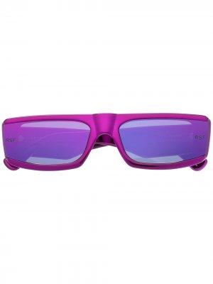 Солнцезащитные очки в прямоугольной оправе Retrosuperfuture. Цвет: розовый