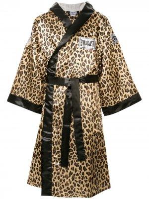 Атласный боксерский халат из коллаборации с Everlast Supreme. Цвет: разноцветный