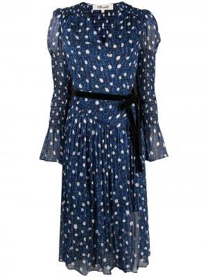 Платье с поясом и принтом DVF Diane von Furstenberg. Цвет: синий