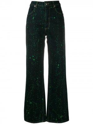 Широкие джинсы с эффектом разбрызганной краски Eckhaus Latta. Цвет: зеленый