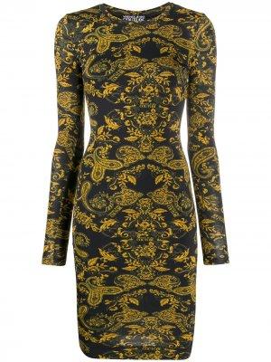 Платье миди с принтом Paisley Loop Versace Jeans Couture. Цвет: черный