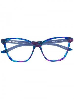 Очки в оправе с принтом Balenciaga Eyewear. Цвет: 004