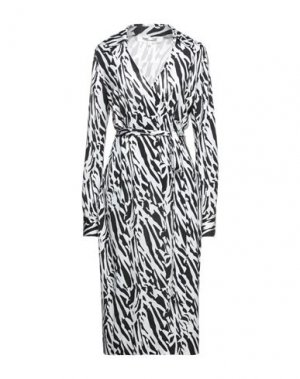 Платье длиной 3/4 DIANE VON FURSTENBERG. Цвет: белый