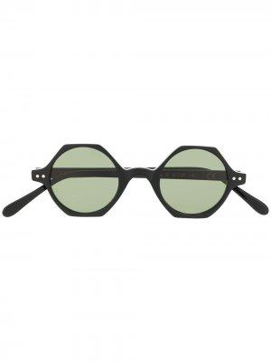 Солнцезащитные очки Koros в шестиугольной оправе Epos. Цвет: черный