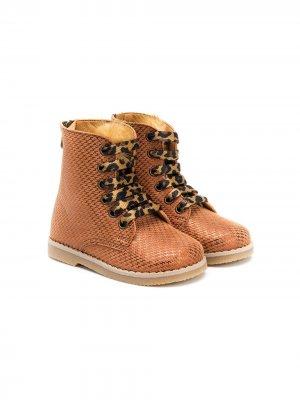 Ботинки на шнуровке с помпонами BabyWalker. Цвет: нейтральные цвета