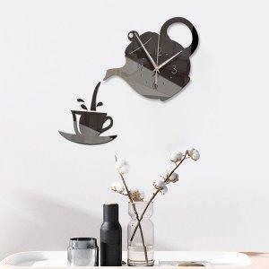 Настенные часы с зеркальной поверхностью в форме чайника SHEIN. Цвет: чёрный