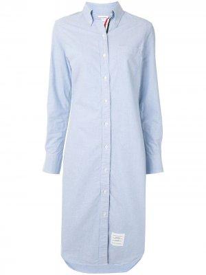 Платье-рубашка длины миди Thom Browne. Цвет: синий