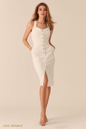 Белое джинсовое платье-футляр с рядом пуговиц LOVE REPUBLIC