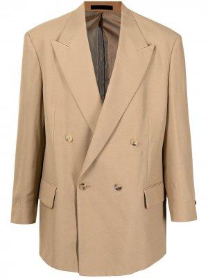 Двубортный пиджак с заостренными лацканами Fear Of God. Цвет: коричневый