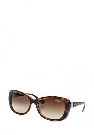 Очки солнцезащитные Vogue® Eyewear 0VO2943SB W65613. Цвет: коричневый
