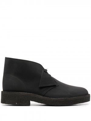 Ботинки с подвеской Clarks Originals. Цвет: черный