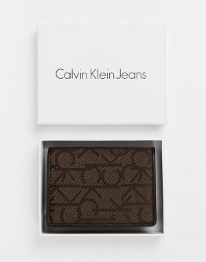 Визитница Calvin Klein. Цвет: коричневый