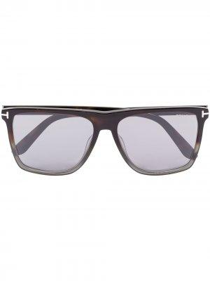 Солнцезащитные очки в прямоугольной оправе TOM FORD Eyewear. Цвет: черный