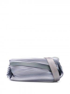 Поясная сумка со складками Pleats Please Issey Miyake. Цвет: серый