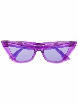 Солнцезащитные очки в оправе кошачий глаз Bottega Veneta Eyewear. Цвет: фиолетовый
