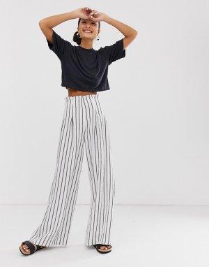 Серовато-белые брюки в полоску с широкими штанинами -Мульти Monki